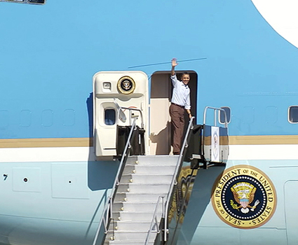 President boards Air Force One
