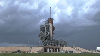 Thunderstorms approach Launch Pad 39A