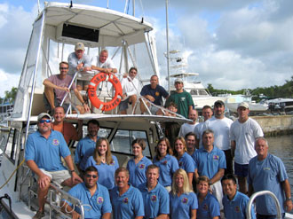 JSC2006-E-30785 - NEEMO 10 crew and support team