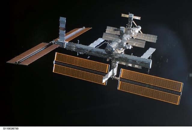 Images superbes de la nouvelle configuration d'ISS 158170main_s115e06750
