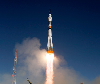 200909300002hq -- Soyuz TMA-16 launch