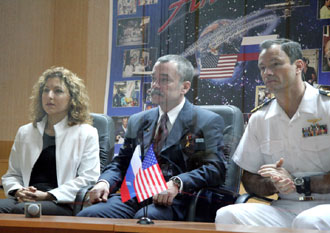 JSC2006-E-40632 : Pre-launch conference