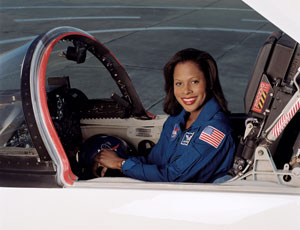JSC2003-00686 : Joan Higginbotham in T-38