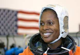 JSC2005-E-31247 : Joan Higginbotham in NBL