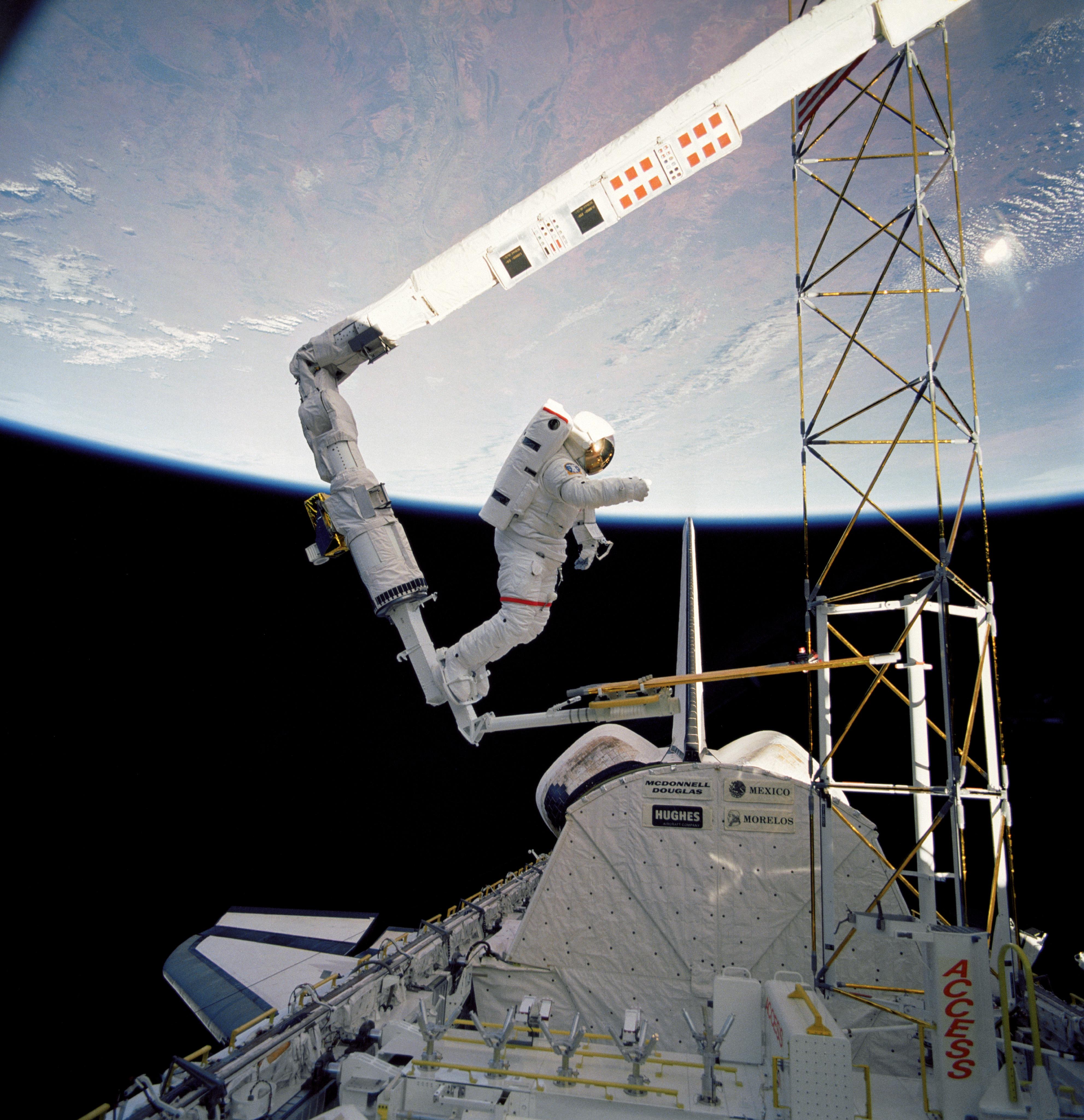 Nasa Space Shuttle Canadarm Robotic Arm Gallery