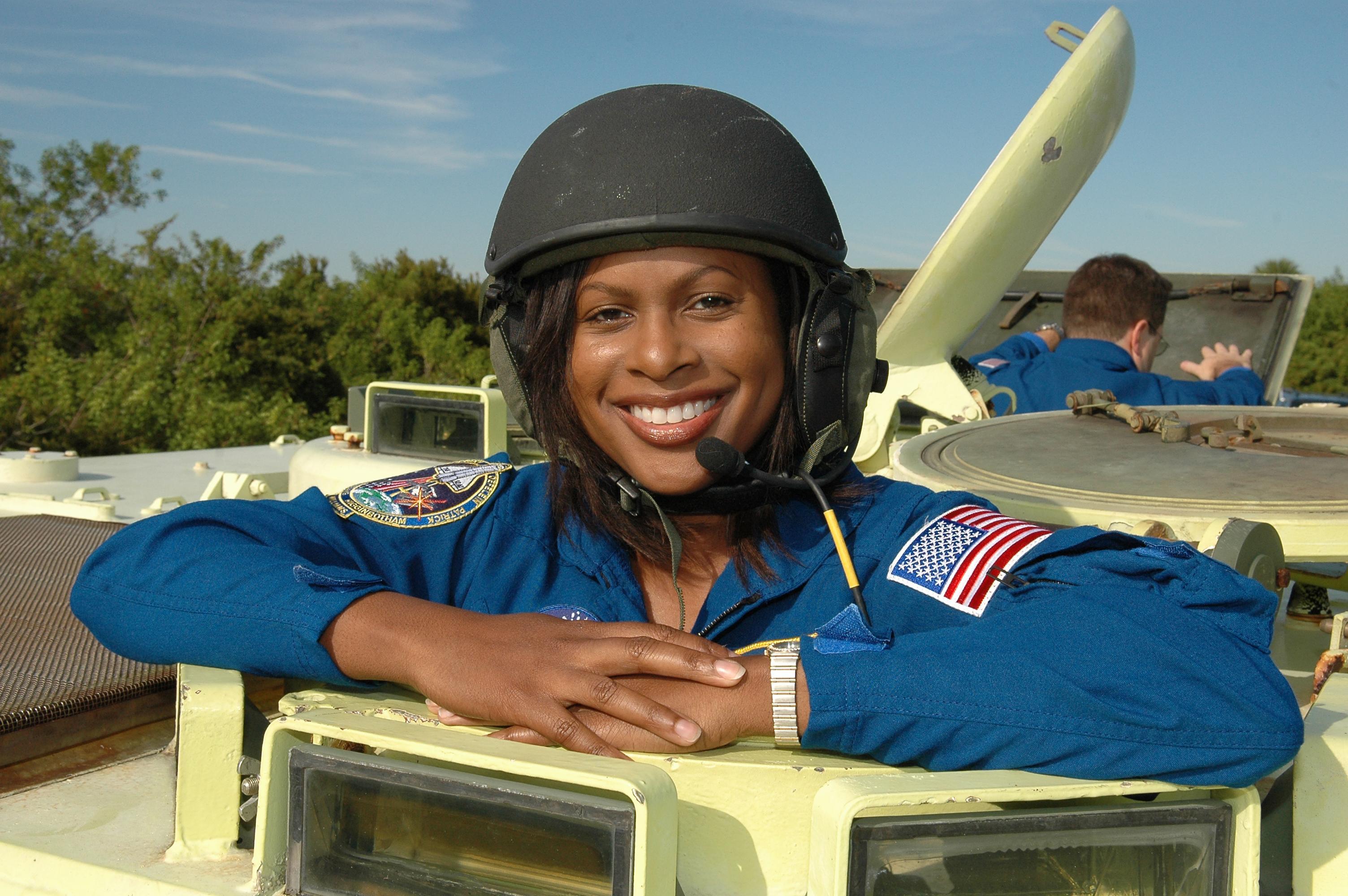 joan the astronaut - photo #19