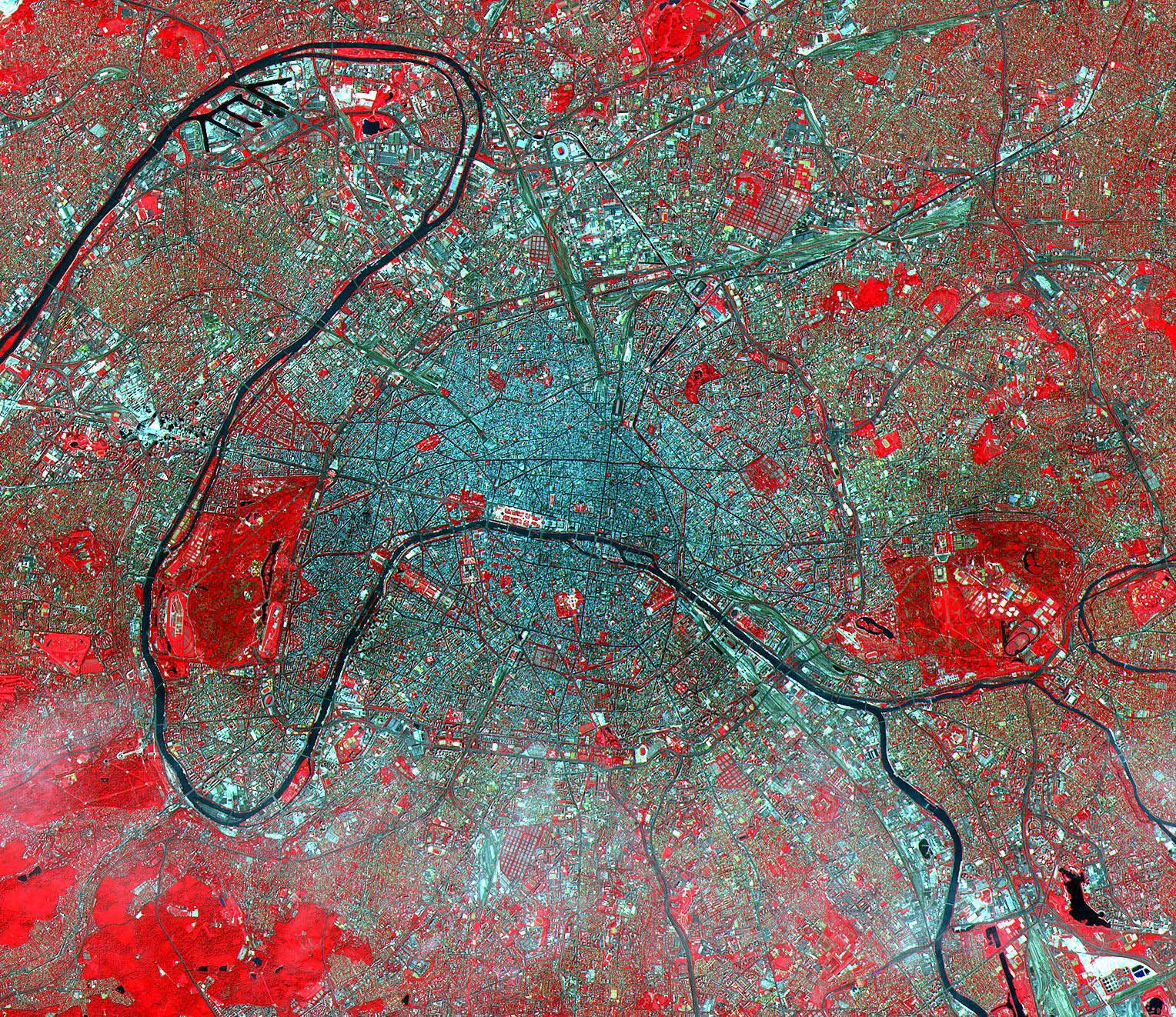 Photo satellite Paris, by NASA