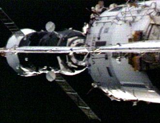 164461main_p25_docking.jpg