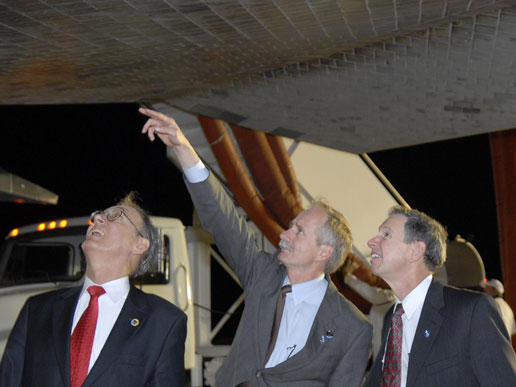 Sigmar Wittig, head of the German Space Agency; William Gerstenmaier, NASA Associate Administrator for Space Operations; Michael Griffin, NASA Administrator