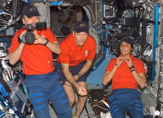 ISS014-E-10282 : Expedition 14 crew