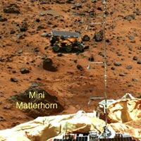 Mars Pathfinder view of Sojourner and Mars