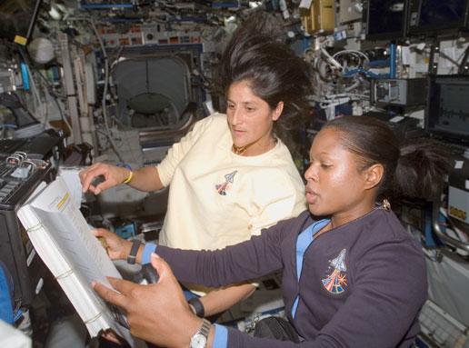 joan the astronaut - photo #24