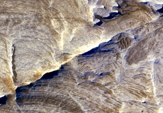 tectonic fractures within the Candor Chasma region of Valles Marineris, Mars