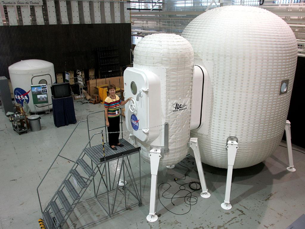 inflatable moon base - photo #28
