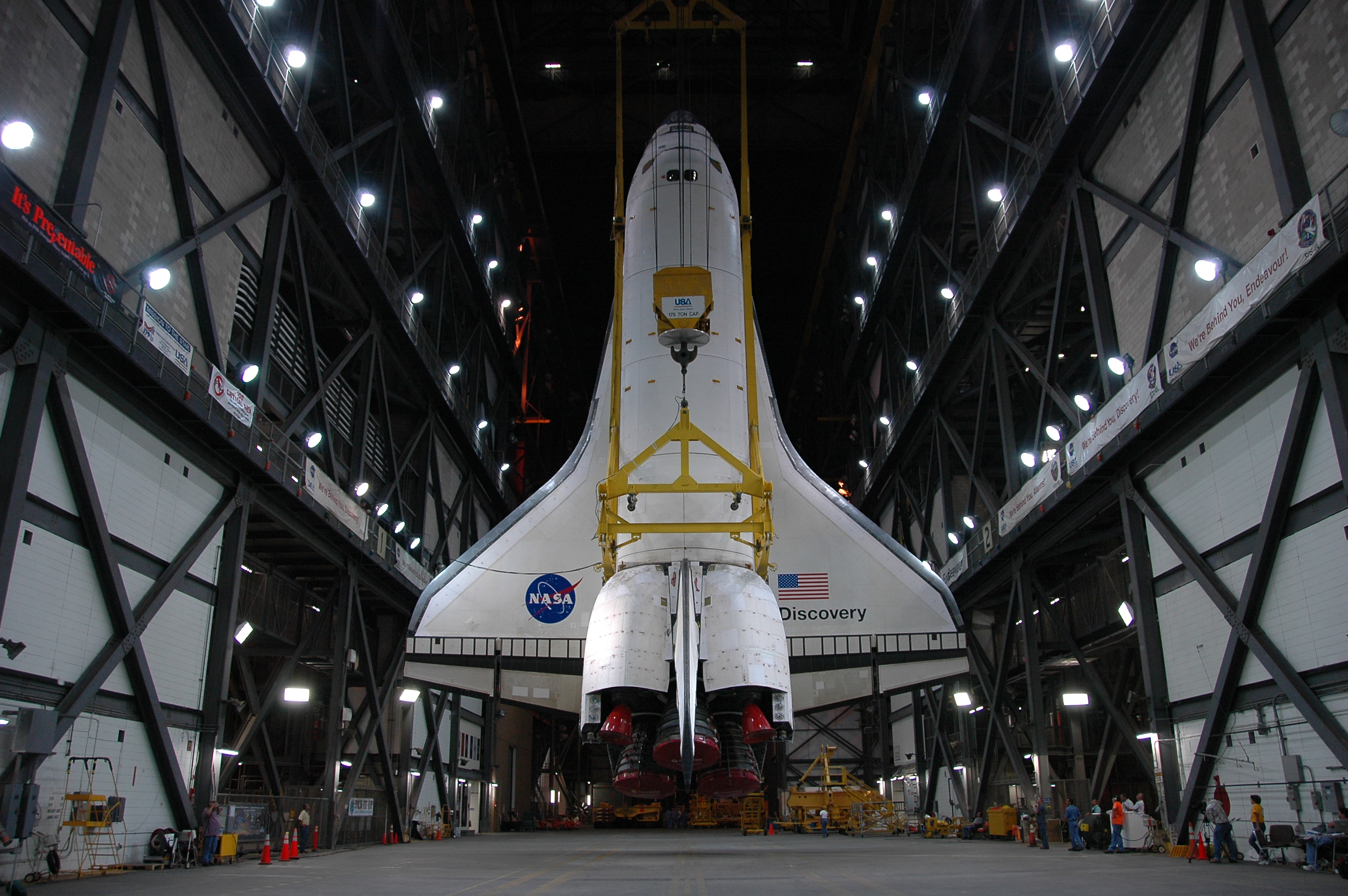 a nasa aircraft in hangar - photo #3