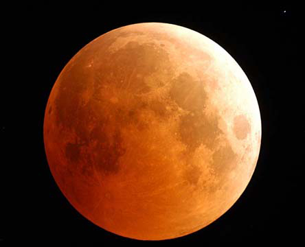 Total Lunar Eclipse 2004, NASA, Photo Credit: Fred Espenak.