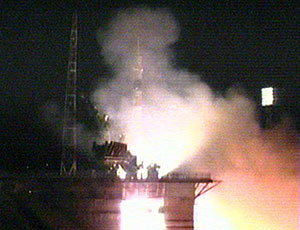 Expedition 15 crew launches