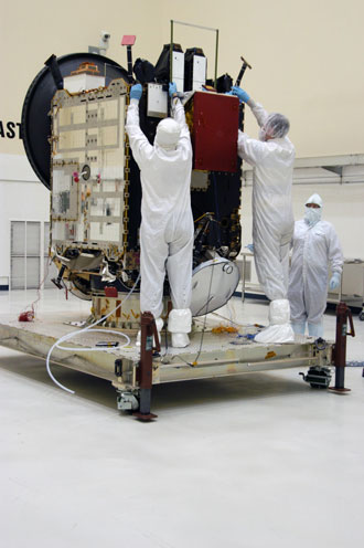 Dawn spacecraft in clean room at Kennedy Space Center