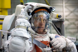 JSC2006-E-50943 --- Clayton Anderson in a training version of his spacesuit