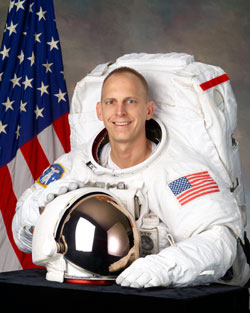 JSC2004-E-48382 --- Clayton Anderson, mission specialist