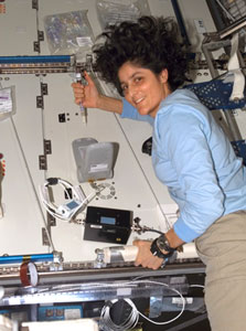 ISS015-E-06777 : Sunita L. Williams works with LOCAD-PTS