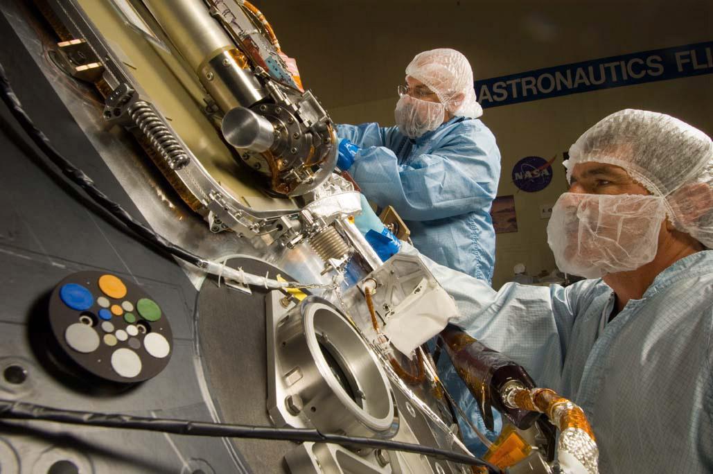 NASA - Work on Phoenix Science Deck