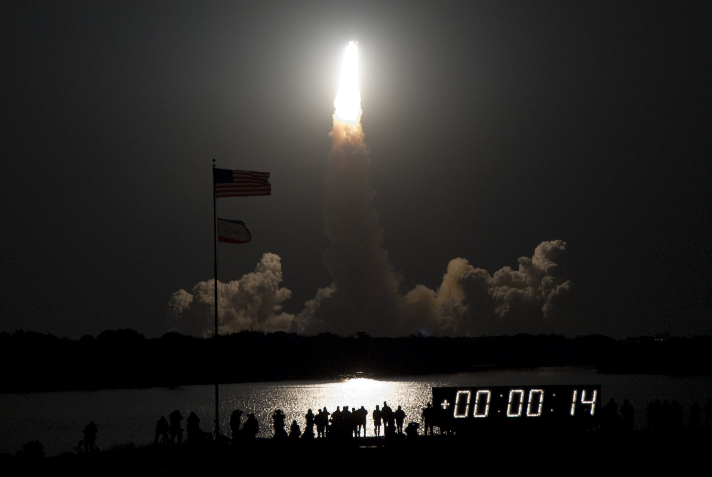 [Obrazek: 180842main_launch.jpg]