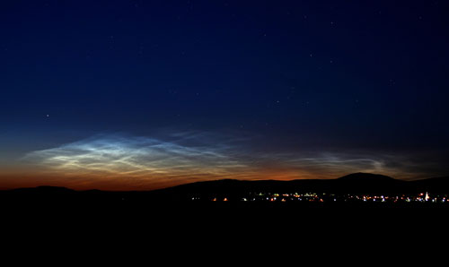 One of the first ground sightings of noctilucent clouds in the 2007 season.