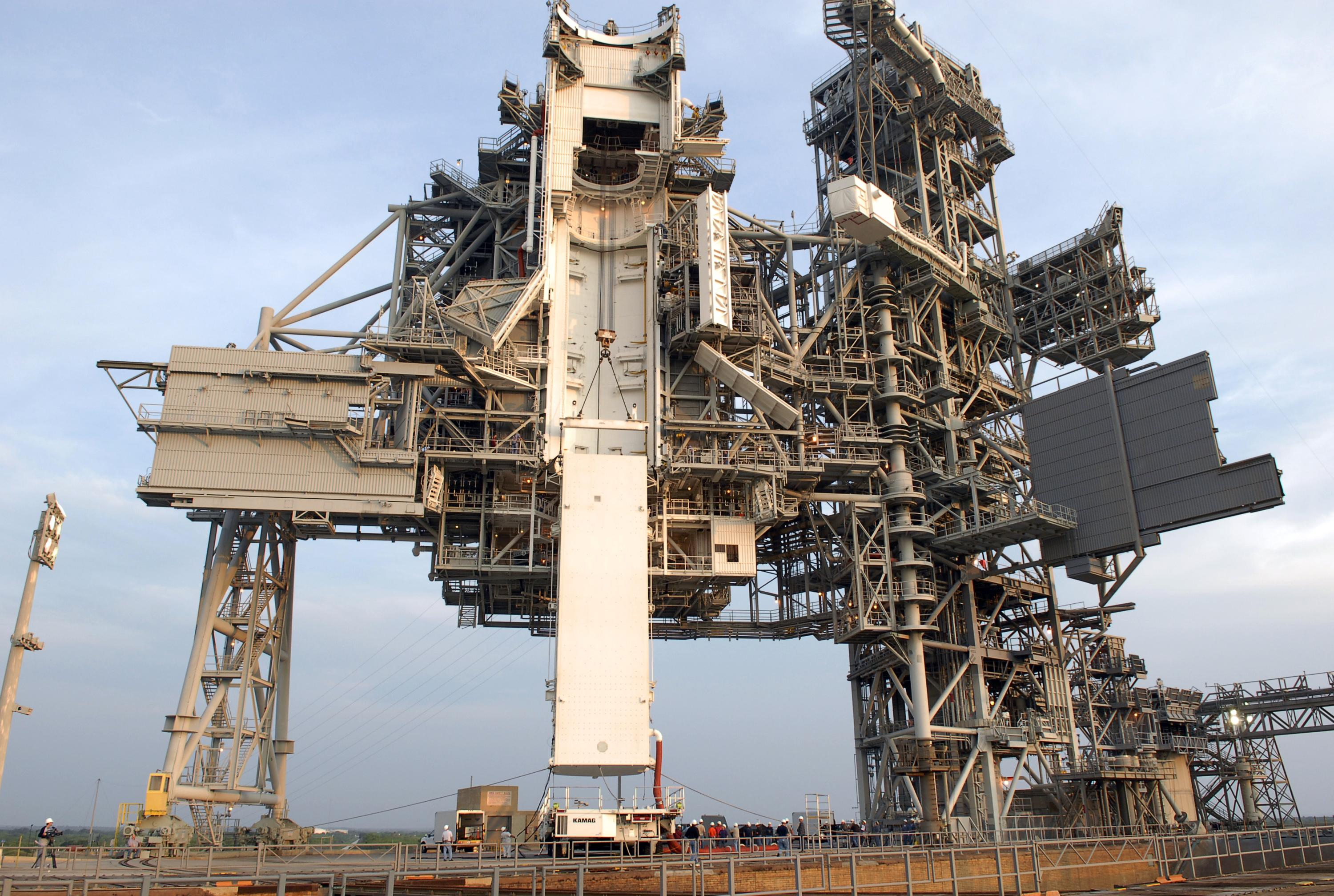 Endeavour to Depart Tonight for Launch Pad 39A