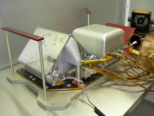 Thermal and Evolved-Gas Analyzer for Phoenix Mars Lander