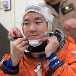 jsc2007e18063 -- Expedition 16 Flight Engineer Dan Tani