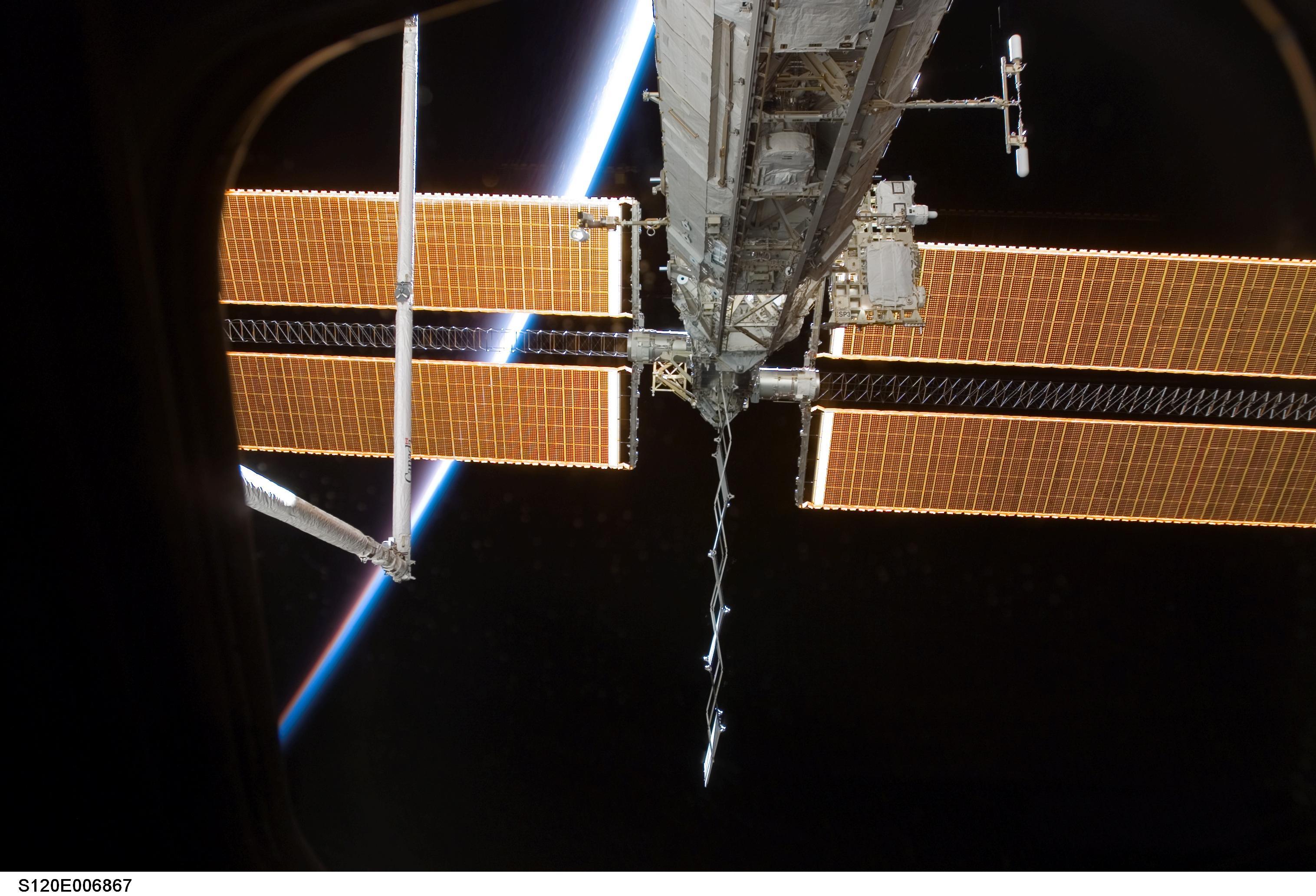spacecraft solar array panels - photo #23