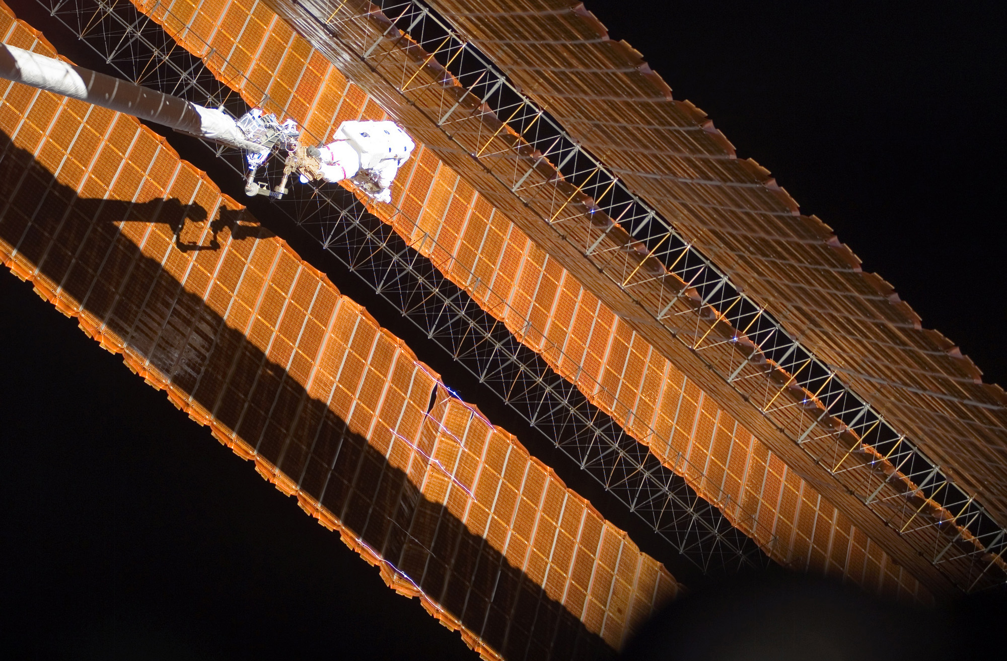 solar powered space station - photo #35