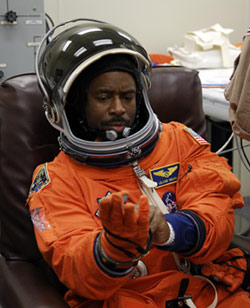 STS-122 Mission Specialist Leland Melvin