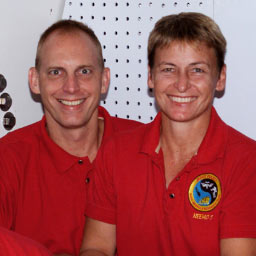 jsc2003e43949 -- Clay Anderson (left) and Peggy Whitson