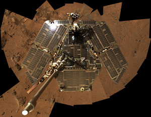 Mars Exploration Rover Spirit shows the solar panels