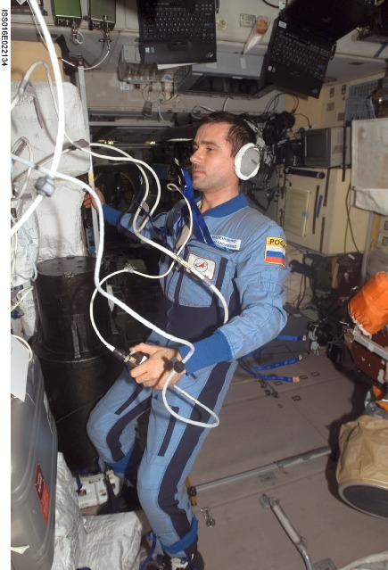 iss016e022134 -- Expedition 16 Flight Engineer Yuri Malenchenko