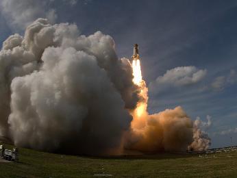 Lanzamiento STS-122, agrandar haciendo click aquí.