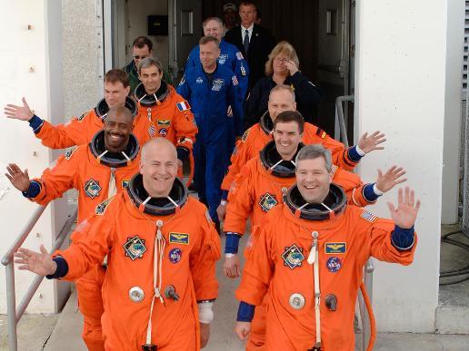Atlantis Crew Heads to the Pad