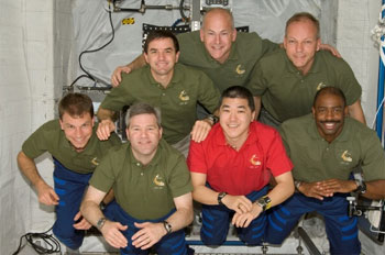 Crews of STS-122 and Expedition 16 on the ISS