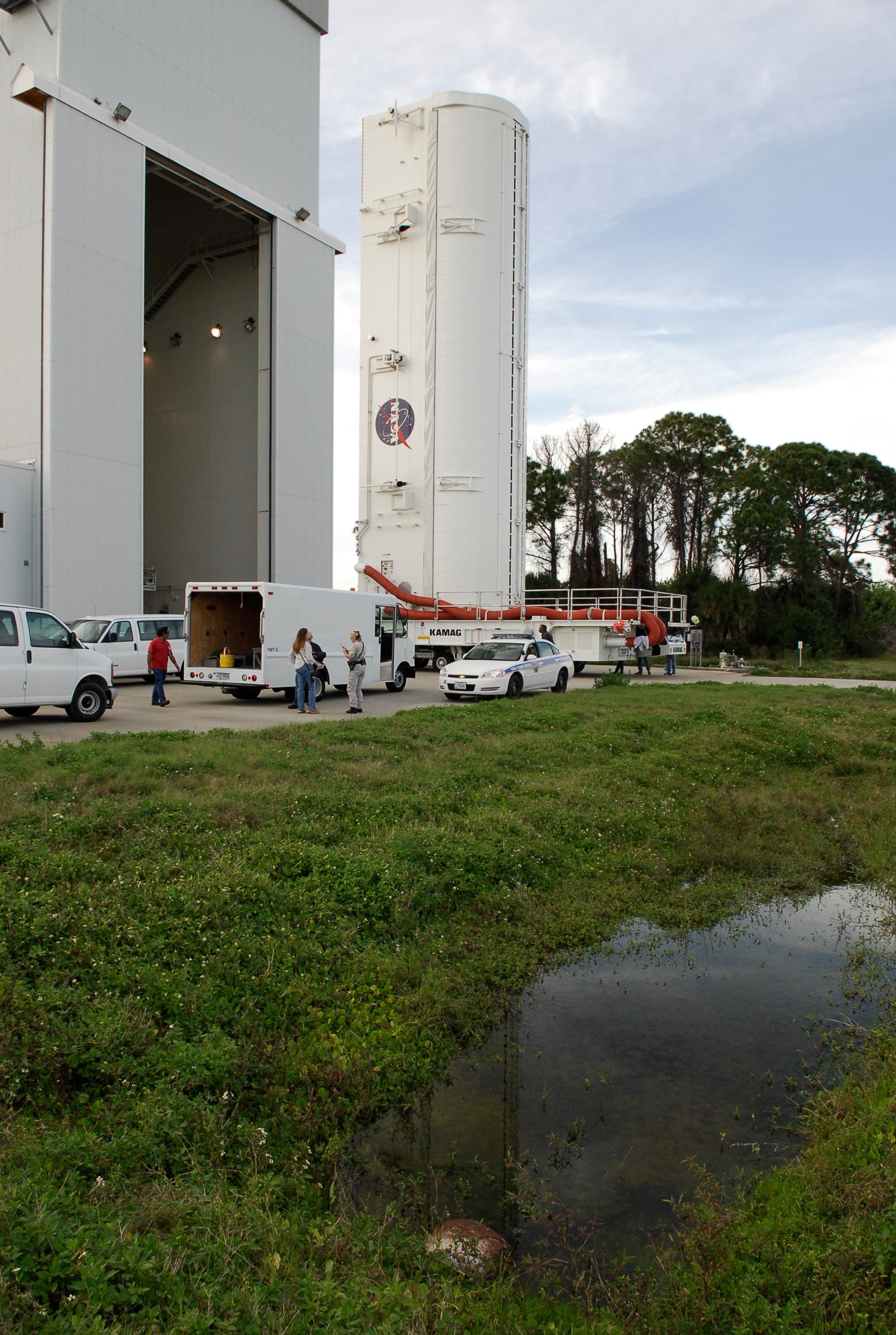 Mothballed Ship Rocket From NASA - Pics about space