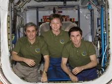 ISS016-E-031769 -- Peggy Whitson, Leopold Eyharts (left) and Yuri Malenchenko