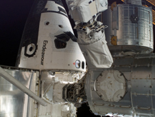 ISS016-E-032993 -- Space shuttle Endeavour