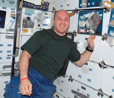 Station Astronaut Throws Ultimate Fastball for Yankees ...