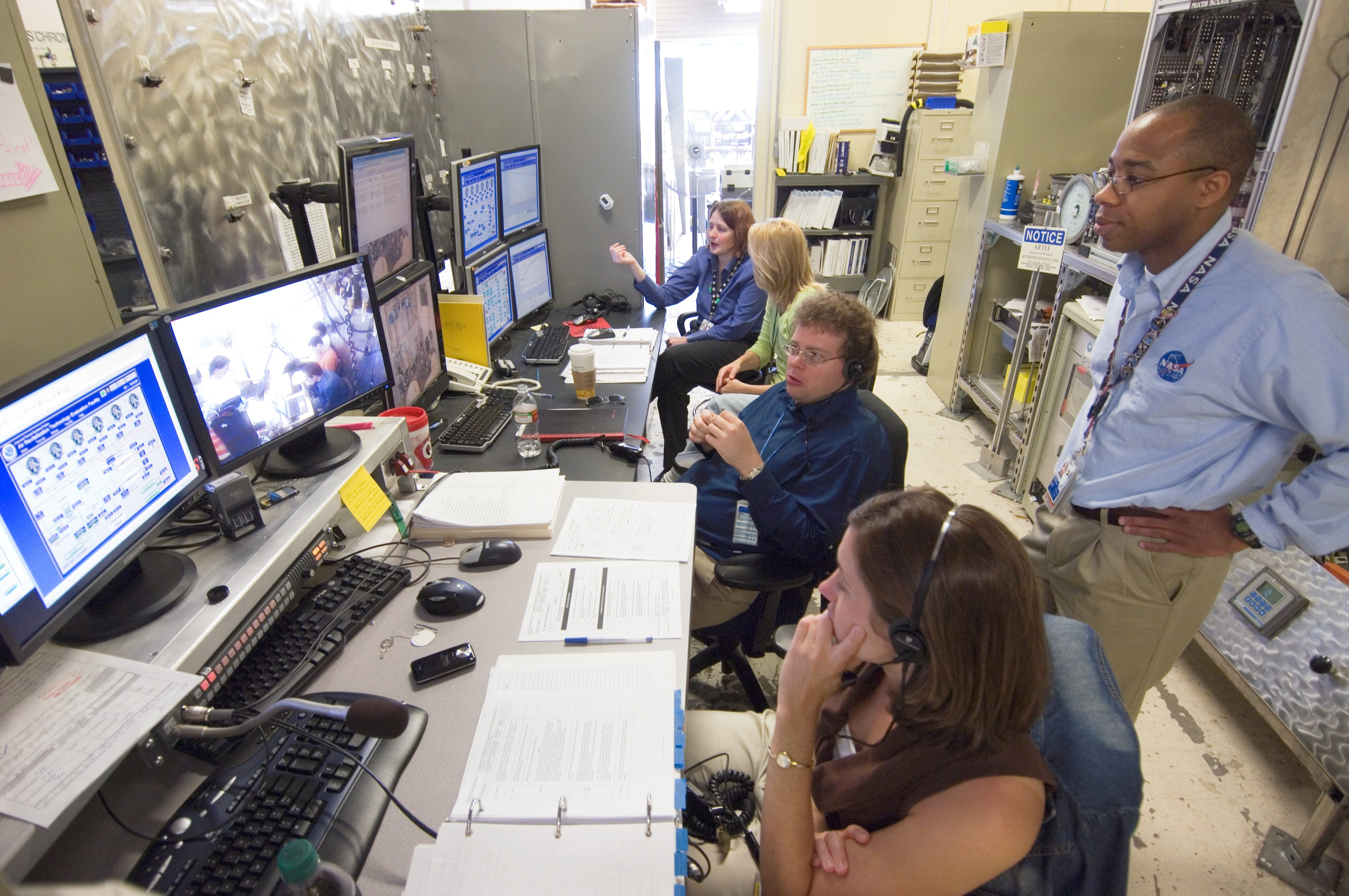 NASA - Exhaling for Exploration: Scientists Test Lunar ...