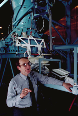 East-West team - Left: Dr. Roald Sagdeev with the engineering model of the Vega 2 Halley's comet probe (1986) at Moscow's Space Research Institute. Photo credit: Jonathan Blair/CORBIS