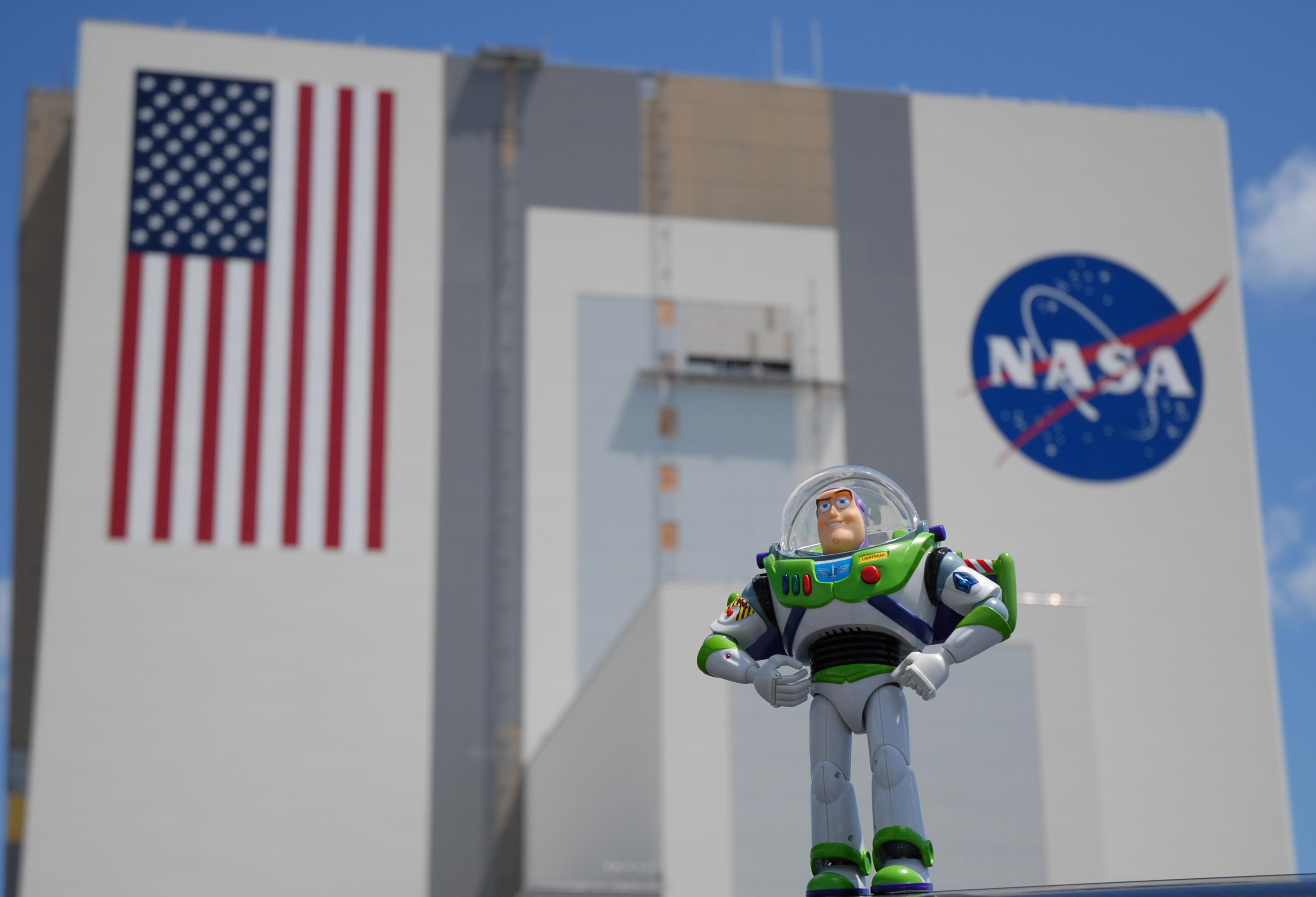 Nasa Buzz Lightyear To Soar With Discovery