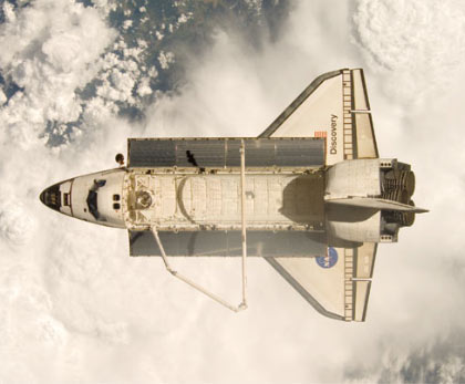 iss017e009395 -- Space shuttle Discovery