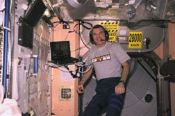 Astronaut James Voss uses the Softphone