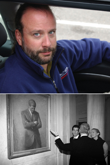 Priceless moment - NASA photographer Bill Ingalls (top) took this picture of President Bill Clinton showing John F. Kennedy, Jr., and his wife Carolyn Bessette the portrait of JFK (bottom) during a White House showing of Tom Hank's HBO film series From Earth to the Moon (July 5, 1998). Photo credits-NASA/Bill Ingalls